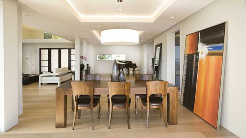 استفاده از نورپردازی مخفی در اطراف میز غذاخوری در پذیرایی