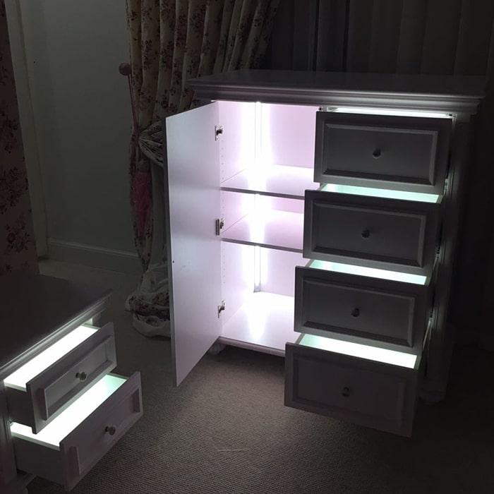 نورپردازی کابینت