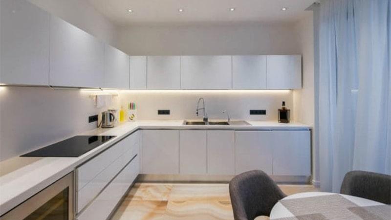 ریسه های نواری LED برای زیر کابینت های آشپزخانه